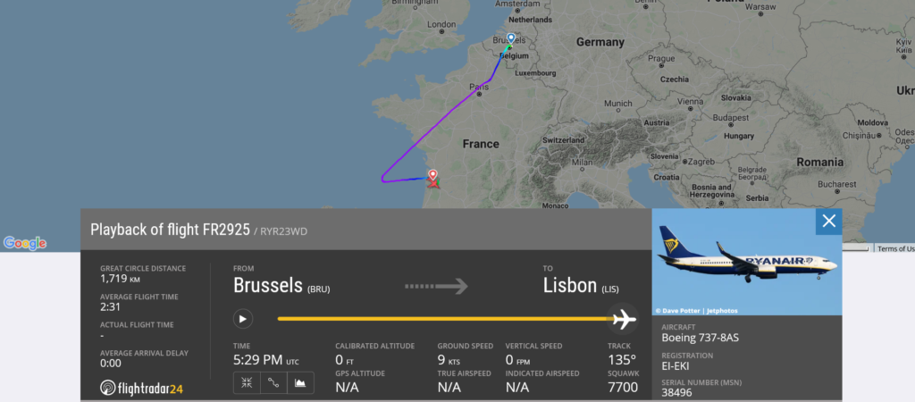 Ryanair flight FR2925 from Brussels to Lisbon declared an emergency and diverted to Bordeaux due to suspected fuel leak